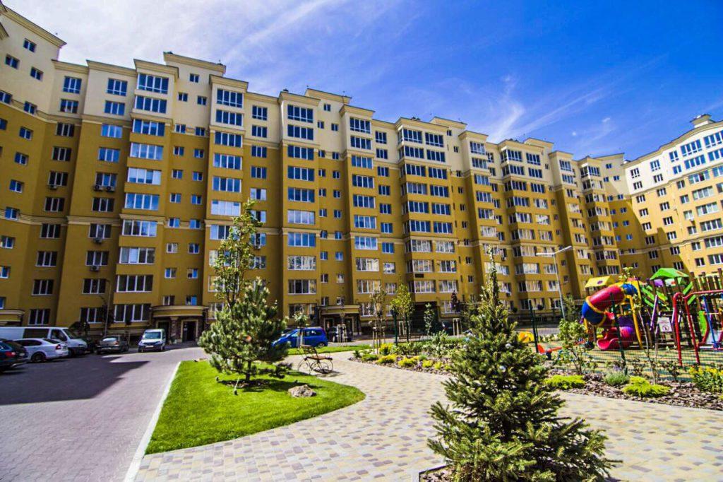 Введен в эксплуатацию и заселен дом в ЖК Клубном.